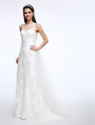 Lanting Bride® A-line Wedding Dress Court Train Jewel Lace / Tulle with Appliques / Button