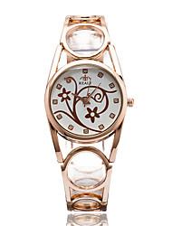 Женские Модные часы Наручные часы Повседневные часы Кварцевый / сплав Группа Повседневная Элегантные часы CoolСеребристый металл