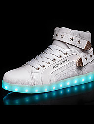 Homme Baskets Confort Chaussures Lumineuses Polyuréthane Automne Hiver Décontracté Confort Chaussures Lumineuses Lacet LED Talon Plat