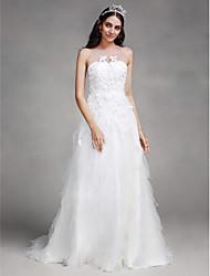 2017 Lanting bride® uma linha de casamento vestido de corte de trem jóia de tule com apliques