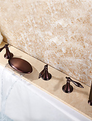 Contemporâneo Banheira e Chuveiro Cascata Spray Amplo Chuveiro de Mão Incluído with  Válvula Cerâmica Três Handles cinco buracos for