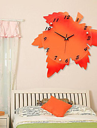 Europe Creative Living Room Wall Hanging Clock Maple Leaf Mute Wall Clocks Personalized Fashion Clocks Home Decoration