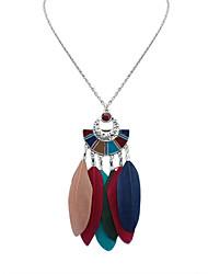 Женский Ожерелья с подвесками Перья Сплав Геометрической формы Богемия Стиль Мода Белый Черный Темно-зеленый Радужный Бижутерия