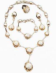 Schmuck 1 Halskette 1 Paar Ohrringe 1 Armreif 1 Ring Ring Ohrringe Set Halskette / Armband Ohne SteinKreisförmiges Design Einzigartiges