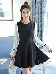 2017 nouveau printemps manches trompette vent petite femme parfumée mince robe à manches longues un petit mot d'automne robe noire et