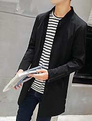 Homologation spéciale manteau longue section mâle de la version coréenne des modèles de printemps couleur mince couche mince marée