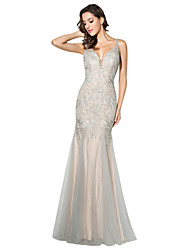 Mermaid / Trumpet Plunging Neckline Floor Length Tulle Formal Evening Dress with Beading by Sarahbridal