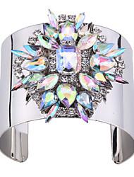 Femme Manchettes Bracelets Bijoux Style Punk Mode Vintage Gemme Alliage Forme Géométrique Bijoux Pour Occasion spéciale