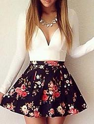 modelos de explosión de los aliexpress eBay otoño Sexy cuello en V mujeres de manga larga&# 39; s mini-vestido de flores de corte bajo