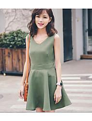 grande tache fraîche version coréenne 2017 vent collège de la robe v-cou couleur unie simple boutonnage une jupe en ligne