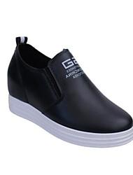 Для женщин Обувь на каблуках Криперы Удобная обувь Весна Полиуретан Повседневные Белый Черный Цвет экрана На плоской подошве