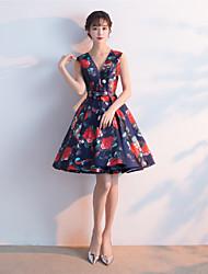 Vestido de baile vestido v-neck curto / mini vestido de festa cocktail com faixa / fita