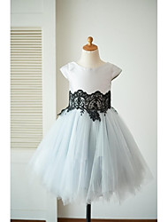 vestido de menina de flor de joelho com uma linha de joalheria - tulle mikado mangas curtas pescoço de colher por thstylee