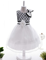 Ball Gown Knee-length Flower Girl Dress - Satin Tulle Sequined Jewel with Bow(s) Flower(s) Sash / Ribbon Sequins