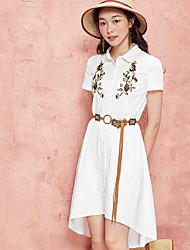 Dámské Běžné/Denní Volné Šaty Jednobarevné Výšivka,Krátký rukáv Košilový límec Nad kolena Asymetrické Polyester Léto Mid Rise Neelastické