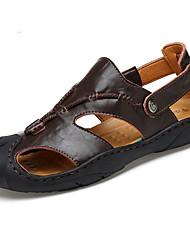 Masculino Sandálias Pele Verão Caminhada Tachas Rasteiro Castanho Escuro Amarelo Terra 5 a 7 cm