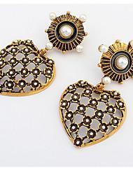 Euramerican Temperament Elegant Copper Hearts Pearl Earrings Lady Business Drop Earrings Movie Jewelry