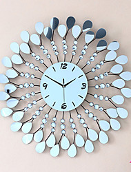 Modern Creative Metal Mute Wall Clock