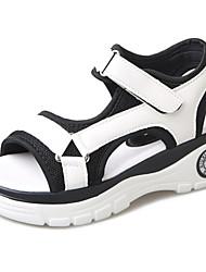 Damen Sandalen Leuchtende Sohlen PU Sommer Normal Walking Leuchtende Sohlen Klettverschluss Niedriger Absatz Weiß Schwarz Silber 5 - 7 cm