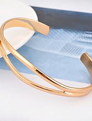 Femme Manchettes Bracelets Mode Alliage Forme Ovale Bijoux Pour Soirée