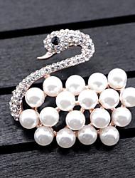 Women's Swan Brooches Imitation Pearl Animal Design Alloy Animal Shape Jewelry ForWedding Party Special Occasion Party/Evening Party/ Evening