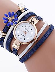 Жен. Женский Модные часы Часы-браслет Кварцевый Материал Группа С подвесками Cool Повседневная Креатив Черный Белый Синий Красный Розовый