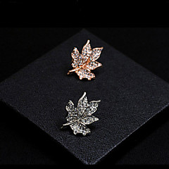 Maple Leaf Brooch (1Pc)