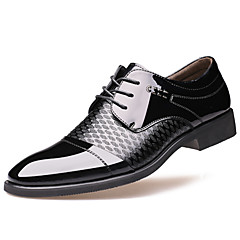 Men's Shoes Wedding / Office & Career / Party & Evening / Casual Leather Oxfords Black / Brown