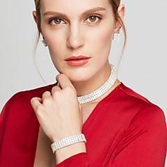 Ékszer készlet Rövid nyakláncok Fülbevaló Nyaklánc Strassz Divat luxus ékszer elegáns Menyasszonyi Többrétegű Strassz Square Shape Ezüst