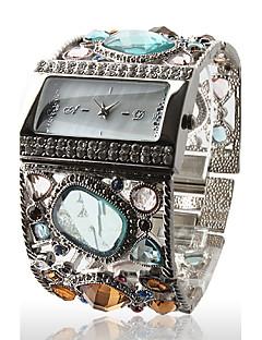utrolige kvinners sølv armbånd watch med grasiøs multi farge diamant dekorasjon