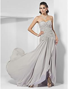 Formeller Abend Kleid - Silber Chiffon - Etui-Linie - Sweep / Pinsel Zug - Herz-Ausschnitt/trägerloser Ausschnitt Übergröße
