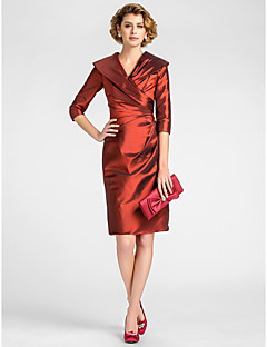 Lanting Sheath/Column Plus Sizes / Petite Mother of the Bride Dress - Burgundy Knee-length Half Sleeve Taffeta