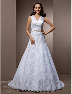 A-line/Princess Plus Sizes Wedding Dress - White Court Train V-neck Lace