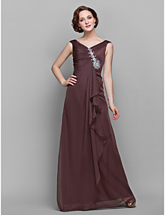 A-line Plus Size / Petite Mother of the Bride Dress Floor-length Sleeveless Chiffon with Crystal Detailing / Ruffles / Side Draping
