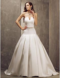 Lanting Bride® A-line Petite / Plus Sizes Wedding Dress - Elegant & Luxurious / Glamorous & Dramatic Sweep / Brush Train Strapless Satin