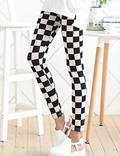 preto e branco leggings xadrez das mulheres