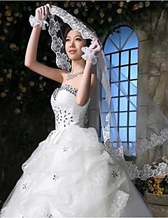 한 타이어 레이스 가장자리 흰색 웨딩 드레스 신부의 베일 (더 많은 색상)