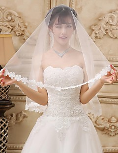 One-tier Tulle Fingertip Wedding Veil With Lace Applique Edge