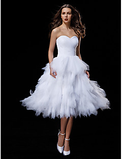 Lanting Bride® Ball Gown Petite / Plus Sizes Wedding Dress Knee-length Sweetheart Tulle