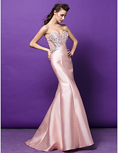 TS Couture® Formal Evening Dress Plus Size / Petite Trumpet / Mermaid Sweetheart Sweep / Brush Train Satin with Beading / Crystal Detailing