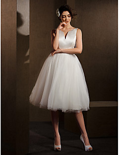 Lanting Bride® Ball Gown Petite / Plus Sizes Wedding Dress Knee-length V-neck Satin / Tulle with