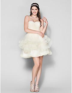 regresso a casa cocktail vestido de festa vestido de baile querida curto / mini tule