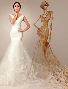 Trumpet/Mermaid Court Train Wedding Dress -V-neck Tulle