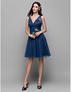 Lanting Bride® באורך  הברך טול שמלה לשושבינה - גזרת A צווארון וי עם בד בהצלבה