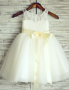 Princess Knee-length Flower Girl Dress - Lace / Satin / Tulle Sleeveless Scoop with
