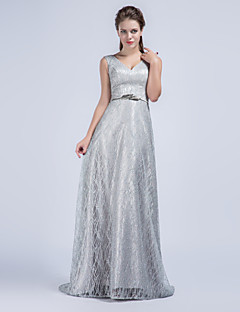 Formal Evening Dress - Silver Sheath/Column V-neck Sweep/Brush Train Tulle