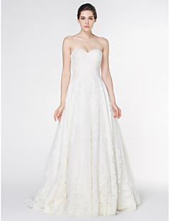 Lanting Bride® A-Linie Svatební šaty Velmi dlouhá vlečka Bez ramínek Krajka s Krajka