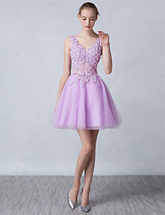 Cocktail Party Dress A-line V-neck Short / Mini Tulle with Appliques / Crystal Detailing