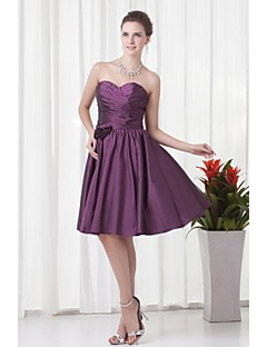 Lanting Bride® Knee-length Taffeta Bridesmaid Dress A-line Strapless with Flower(s) / Pleats