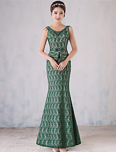 포멀 이브닝 드레스 트럼펫 / 머메이드 스쿱 바닥 길이 레이스 와 진주 디테일